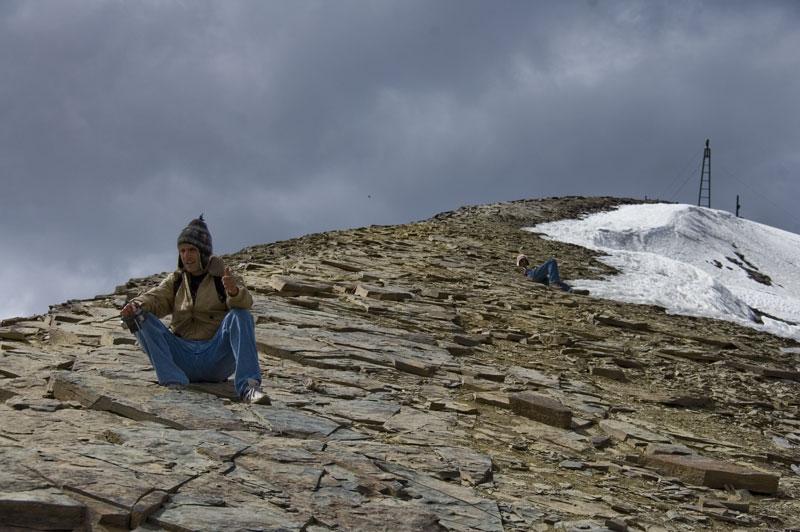 Y ahora ya entiendo porque tardan semanas en recorrer los ultimos metros del Everest, foto a casi 5400mts!