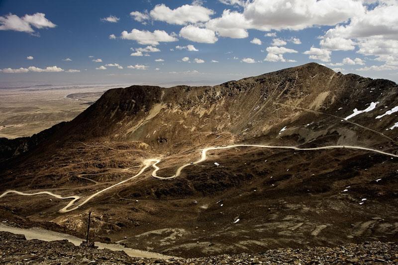 Camino que sube al Chacaltaya.