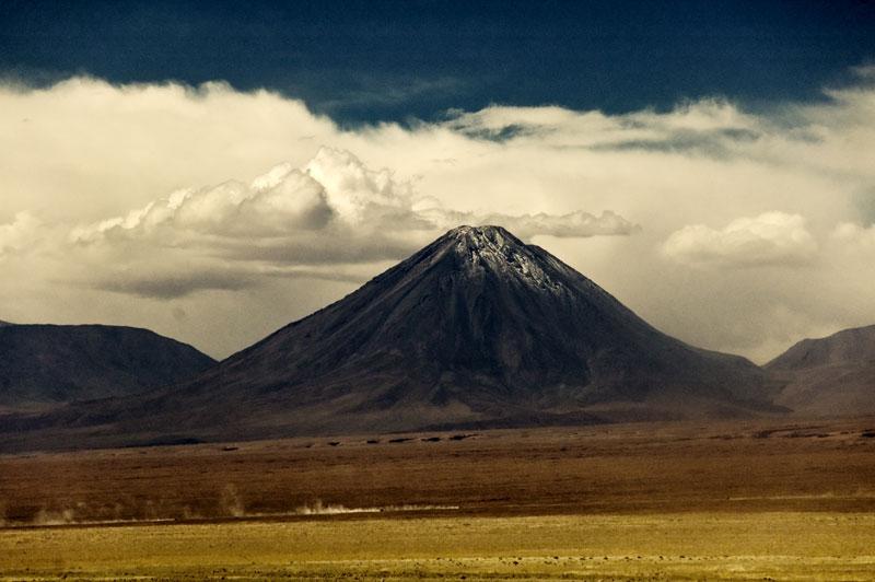 El siempre presente Volcan nevado